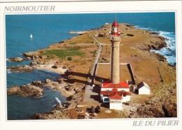 85 - ILE De NOIRMOUTIER - Le Phare Et L´Ile Du Pilier - Le Gois. - Ile De Noirmoutier