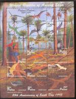 PALAU   369  ** MINT NEVER HINGED MINI SHEET OF DINOSAURS   #   M-409*  ( - Prehistorics
