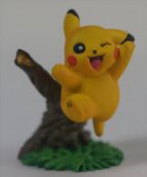 Pokemon : Figurine Pikachu ( Used ) - Figurines