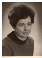 Carte Photo Originale Femme - Portrait - Belle Jeune Femme Pensive - - Personnes Identifiées