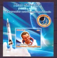 M ADAGASCAR 2012 ALAN SHEPARD  YVERT N° NEUF MNH** - Space