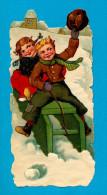 VICTORIAN SCRAP, DECOUPIS  ANCIENS GEANT RELIEF  ENFANT TRAINEAU NEIGE, WINTER SNOW CHILDREN SLED MINT Cond, 8.5 X 13 Cm - Children