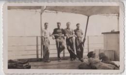Photo originale Marine sur la dunette de l�Athos II 1946
