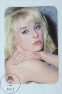 Vintage 1971 Small Calendar - Cinema/ Actors Topic: Actress: Elke Sommer - Tamaño Pequeño : 1971-80