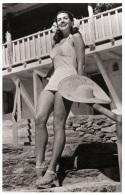 Sexy JINX FALKENBURG  Actress PIN UP Postcard - Publisher RWP 2003 (04) - Entertainers