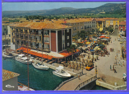 Carte Postale 83. Port-Grimaud  Citroën Méhari  Trés Beau Plan - Port Grimaud