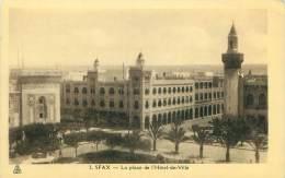 SFAX - La Place De L'Hôtel-de-Ville - Tunisie