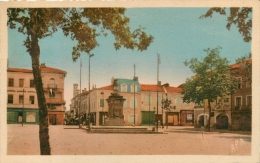 L'ISLE EN JOURDAIN PLACE GAMBETTA - Otros Municipios
