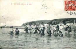 N°46739 -cpa Donville -l'heure Du Bain- - Frankrijk
