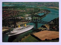 """8540  CPM  RENDSBURG Am Nord - Ostsee -Kanal  M.S """" Kungsholm """" Unterder Hochbrücke  1970 - Rendsburg"""