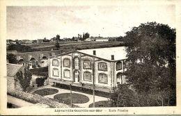 N°46808 -cpa Lingerville Gouville Sur Mer -école Fénelon- - Autres Communes