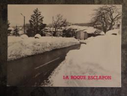 83 LA ROQUE ESCLAPON Sous La Neige  Ecrite Timbree - France