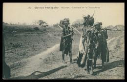 GUINÉ-BISSAU - COSTUMES - Balantes - Costumes De La Circonsision (Ed. Catala Nº 25) Carte Postal - Guinea-Bissau