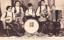 Souvenir Du Passage De La Petite Troupe FALLONE - Musik Und Musikanten