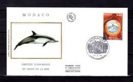 """MONACO FDC En Soie De 1994 """" COLLOQUE DE L'INSTITUT ECONOMIQUE DU DROIT DE LA MER / DAUPHIN """" N° YT 1938. Parfait état - Dolphins"""