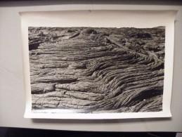"""A362.  Photographie. Tirage Original.Cliché J.LEVOIR.Ile De La Réunion. Volcan. Spécimen De Lave Dite """"Coulée"""" - Photographs"""