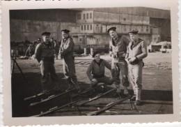 Photo originale Marine BREST  le Croiseur TOURVILLE d�part pour le stand de tir