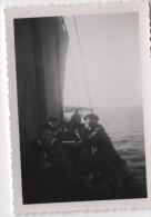 Photo originale Marine BREST  le Croiseur TOURVILLE sur le canot dans la rade de Brest � Logonna