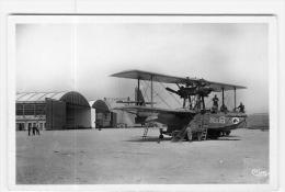 AVIATION -  Etang De BERRE - Base Hydravions - Préparatifs De Vol  - 2 Scans - 1946-....: Moderne