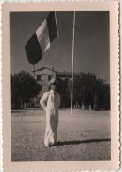 Photo carte originale Marine Le Palyvestre HYERES Base a�ro navale Carr� des Officiers subalternes drapeau