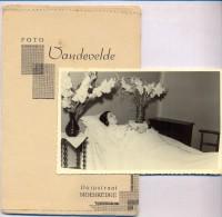 Photo Foto - Vrouw Op Sterfbed - Fotograaf Vandevelde - Moerkerke - Met Kaft - Non Classés