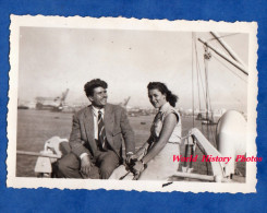 Photo ancienne snapshot - CASABLANCA , Maroc - Couple � bord d'un Bateau - 1951 - Homme Femme Boy Girl Romance Love