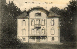 - MEZILLES - Le Petit Chalet   -17945- - Autres Communes