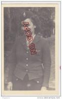 Au Plus Rapide Carte Photo Thann 1944 Femme Militaria Insigne à étudier FFL ? Excellent état - Guerre 1939-45