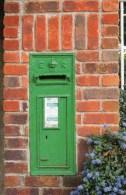 Postcard - Irish Green Wall Pillar/Post Box. M&AS2/2-12.13 - Postal Services