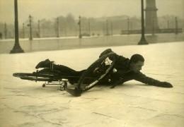 France Paris Hiver Verglas Glissade Cycliste Velo Ancienne Photo 1935