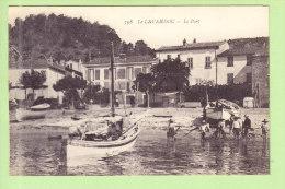 LE LAVANDOU :  Le Port , Place Ernest Reyer. 2 Scans.  Edition Marius Bar - Le Lavandou