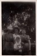 Photo Originale Famille -  Portrait Familiale - - Anonymous Persons