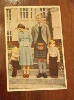 Royal Family 1953  Original Postcard Used - Famiglia Reale 1953 - Cartolina Originale Viaggiata - 1952-.... (Elisabetta II)