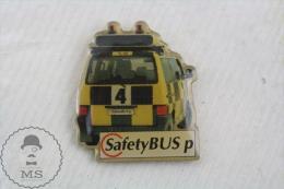 SafetyBUS P Advertising Pin Badge - Transportes