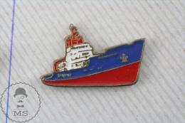 Red & Blue Ship  - Pin Badge - Transportes