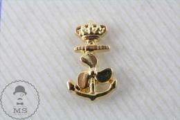 Golden Anchor, Propeller & Crown Military  Pin Badge - Militares
