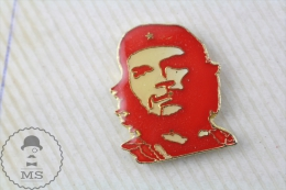 Che Guevara Red Colour Pin Badge - Transportes