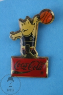 Barcelona 1992 Olympic Games Cobi Mascot Playing Basketball, Coca Cola Advertising  - Pin Badge - Juegos Olímpicos