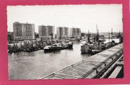 62 PAS-de-CALAIS BOULOGNE-sur-MER, Le Port Et Les Nouveaux Buildings, Bateaux De Pêche, (Fauchois, Béthune) - Boulogne Sur Mer