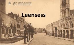 Ieper-Ypres- Place Van Den Peereboom. - Ieper