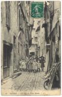 Mende - Une Rue Du Vieux Mende - Mende