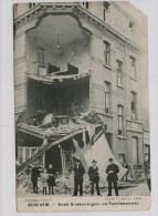 Antwerpen Berchem Kinderen En Wolwassenen  Bij Vernielde Hoek Driekoningen- En Fabriekstraat - Guerre 1914-18