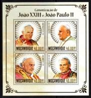 MOZAMBIQUE -  BLOC-FEUILLET - SOUVENIR SHEET - POPE - PAPE - JEAN PAUL II - JEAN XXIII - 2014 - - Mozambique