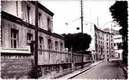 78 - B23652CPSM - CARRIERES SUR SEINE - Les écoles - Rue Victor Hugo - Bon état - YVELINES - Carrières-sur-Seine