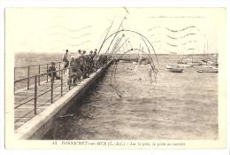 Cp, 44, Pornichet-sur-Mer, Sur La Jetée, La Pêche Au Carrelet, Voyagée 1938 - Pornichet