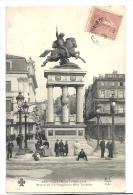 Cp, 63, Clermont-Ferrand, Statue De Vercingétorix Et Le Théatre, Voyagée - Clermont Ferrand