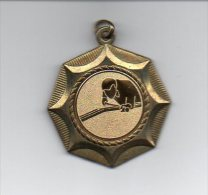 880 I ) Belle Medaille  Billard - 45mm - Billares