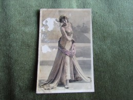 Mata-Hari 1907 - Mujeres Famosas