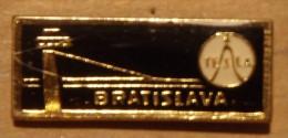 Nikola TESLA Company Czechoslovakia Electronic Industry Bratislava Pin Badge - Merken