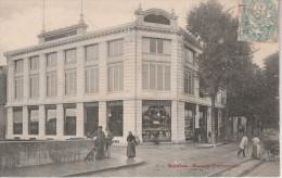 """CPA Animée De 1906. SAINTES """"Charentes Maritimes 17"""" La Maison Universelle - Saintes"""
